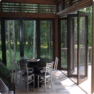 2018 Hot Sale Aluminum Alloy Folding Door for Hotel Villa with Shockproof Function